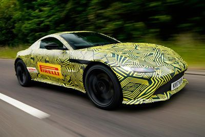Video: 2018 Aston Martin V8 Vantage Spy Shots