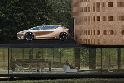 Video: Aleksandra Gaca Designs Renault's Concept Car Will Go Well With Your Home!
