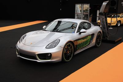 Porsche Unveiled The New Caymen E-volution