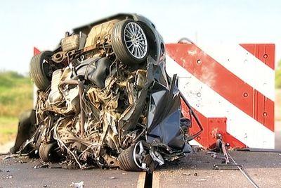 Video: 120mph Crash Test... Rather Arrive Alive!