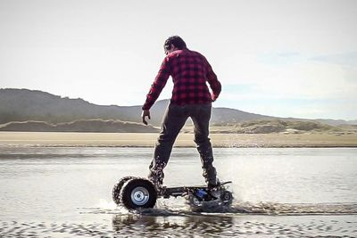 Video: The Ultimate 4x4 Skateboard