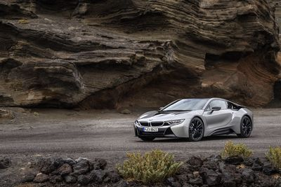 Video: New Bmw I8 Roadster And Coupe Are Here