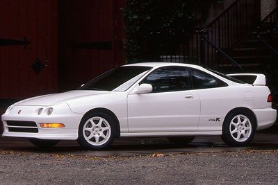 Video: Everything You Need To Know About The Acura Integra