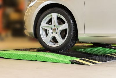 Smart Speed Bumps To Automatically Check Tyre Tread Depth