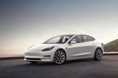 New Tesla Model 3: new dual motor versions confirmed