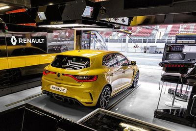2018 Renault Megane Rs Trophy: Performance Specs