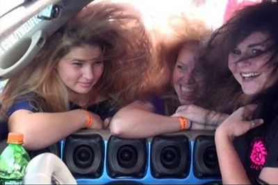 Bass Makes The Girls Scream 'OMG'!