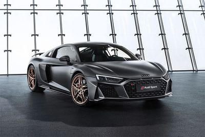 Audi Celebrates 10 Years Of the V10 With The R8 Decennium