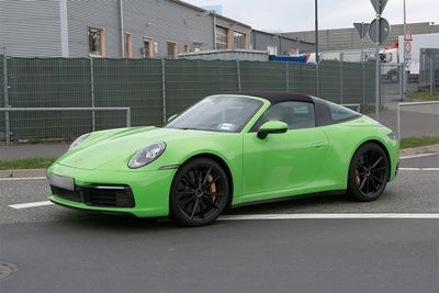 Porsche 911 Targa Spied With Retro Details