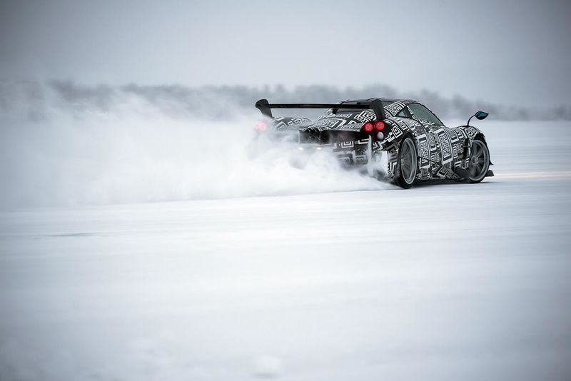 Video: Watching The Pagani Huayra Bc Dancing In The Snow Is Magical! 1