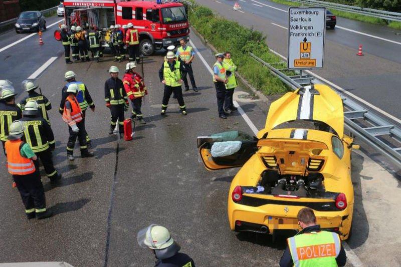 Ferrari 458 Speciale Aperta Crashed Hard In Germany 1