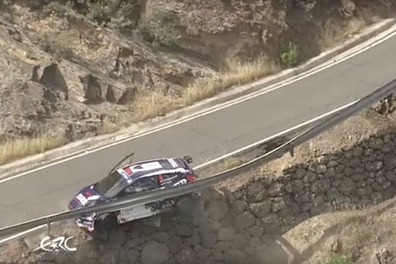 Video: This Is Why We Have Guardrails On The Roads... 1
