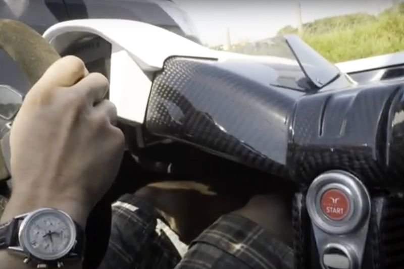 Video: Can You Drive A Road Legal Race Car Daily With No Windscreen? 1