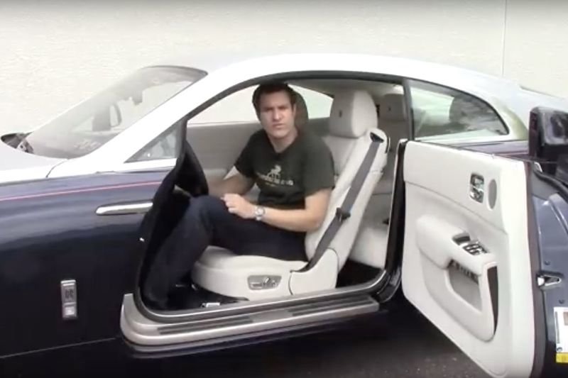 Video: A Tour Of The $350,000 Rolls-royce Wraith 1