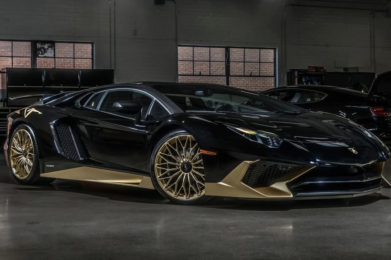 Video This Is The Last Black And Gold Lamborghini Aventador S