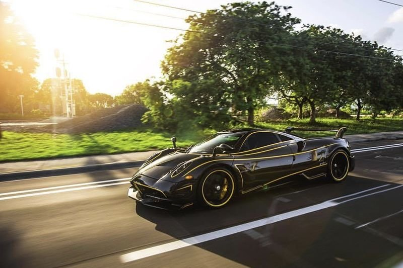The Pagani Huayra Bc Shows Off Its Yellow Accents 1
