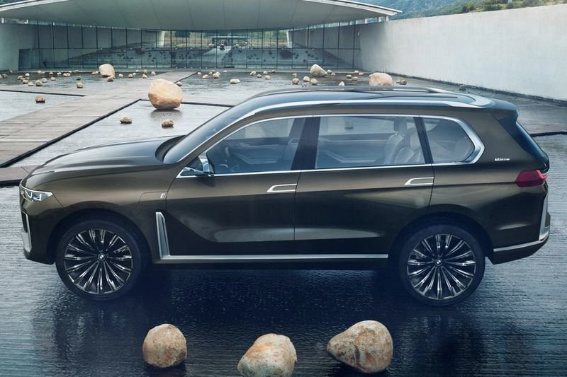 Video: New Bmw X7 Images Leaked Ahead Of Frankfurt Reveal 1