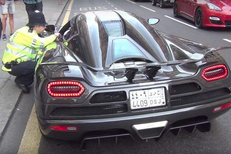 Video: Can The Cops Catch Them Street-racers? 1