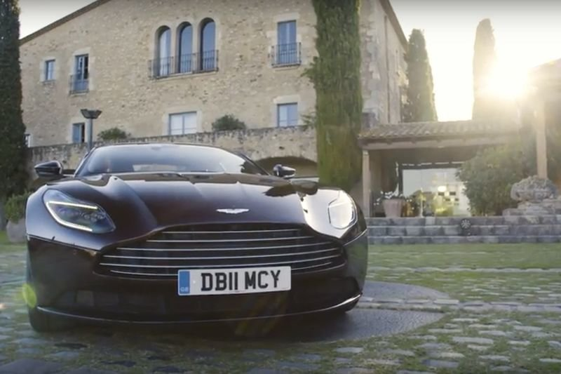 Video: Which Is Better: The New Aston Martin Db11 V8 Or A 5-star Hotel? 1