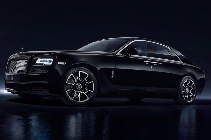 Video: A Rolls-royce Ghost Black Badge Is For Millennials 1
