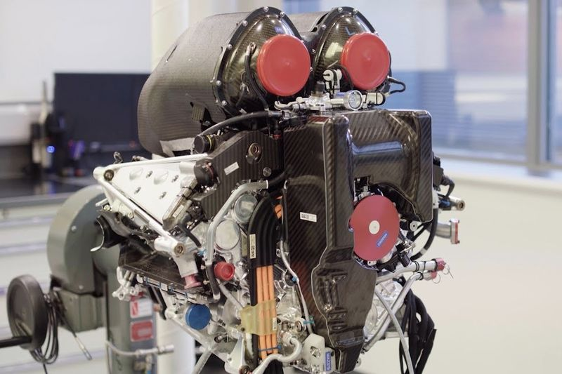 Video: Most Powerful Mercedes Engine Ever! 1