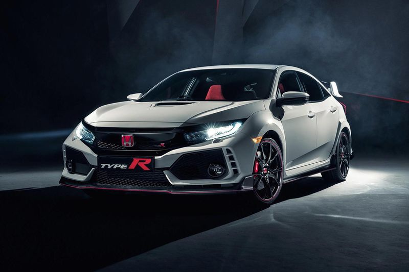 2018 Honda Civic Type R – This Bewinged Beast Kicks Butt! 1