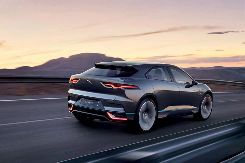 Video: Jaguar I-pace: A Gorgeous, All-electric Crossover 1