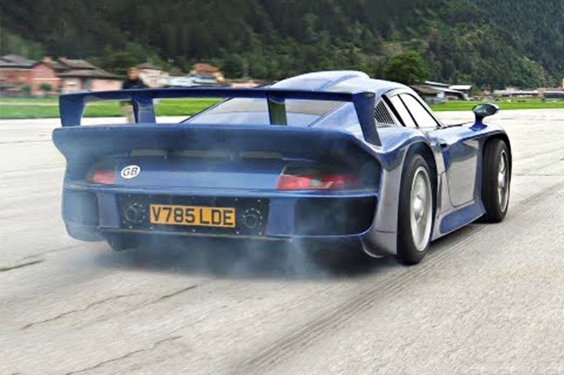 You Have To See This Porsche 911 GT1 Launch! 1