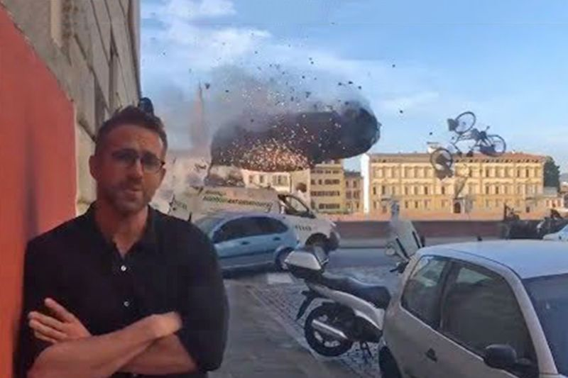 Ryan Reynolds Talks About Michael Bay, Car Crashes And Explosions – Funny! 1