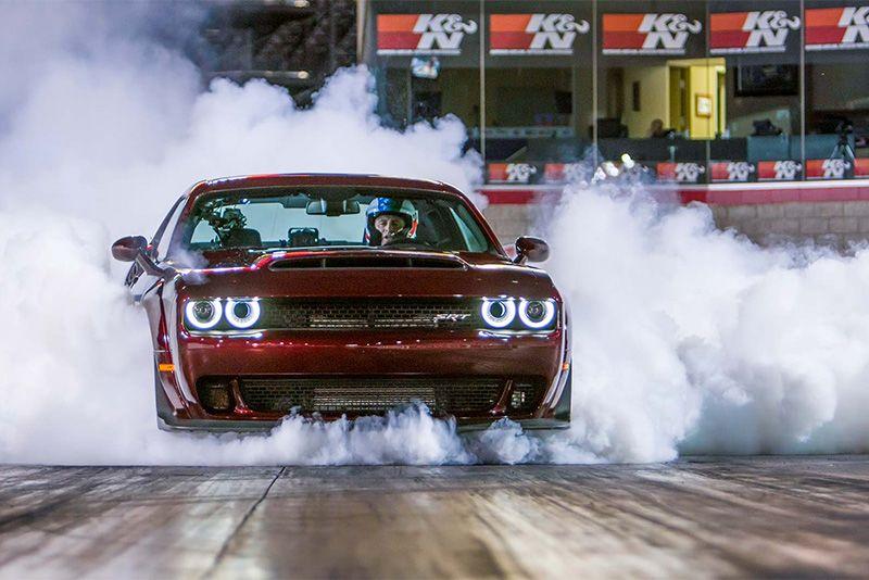 Dodge Demon vs Lamborghini Aventador – Who Wins The Quarter? 1