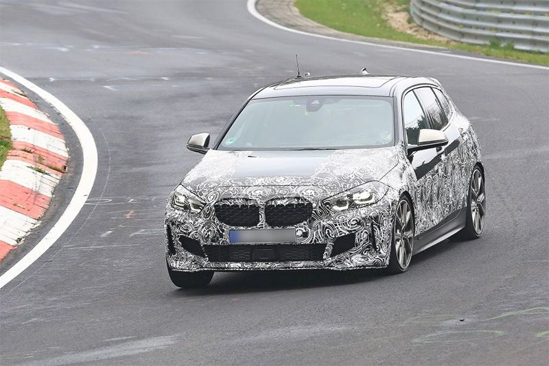 The New Front-Wheel-Drive BMW 1-Series Spotted Testing 1